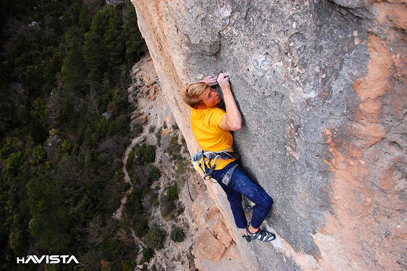 Alexander Megos in Siurana Spain, 176 kb