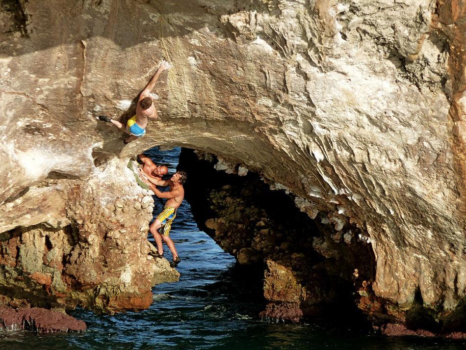 Climber on 'Snatch' 8a+, Cala Barques, 244 kb