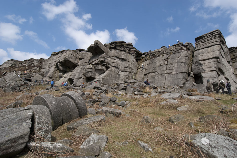 A busy Stanage High Neb, 151 kb