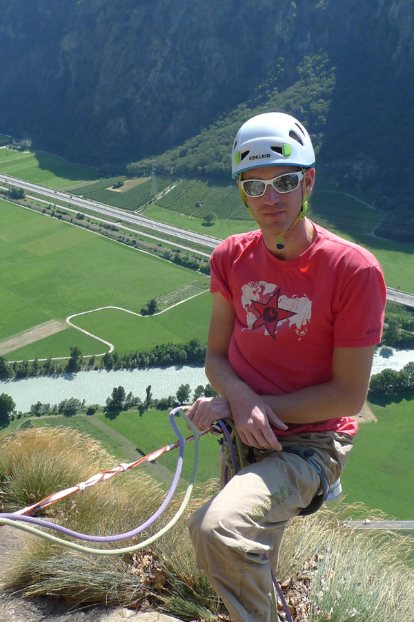 Jack Geldard at the top of the 8 pitch crag of Machaby in Italy, 228 kb