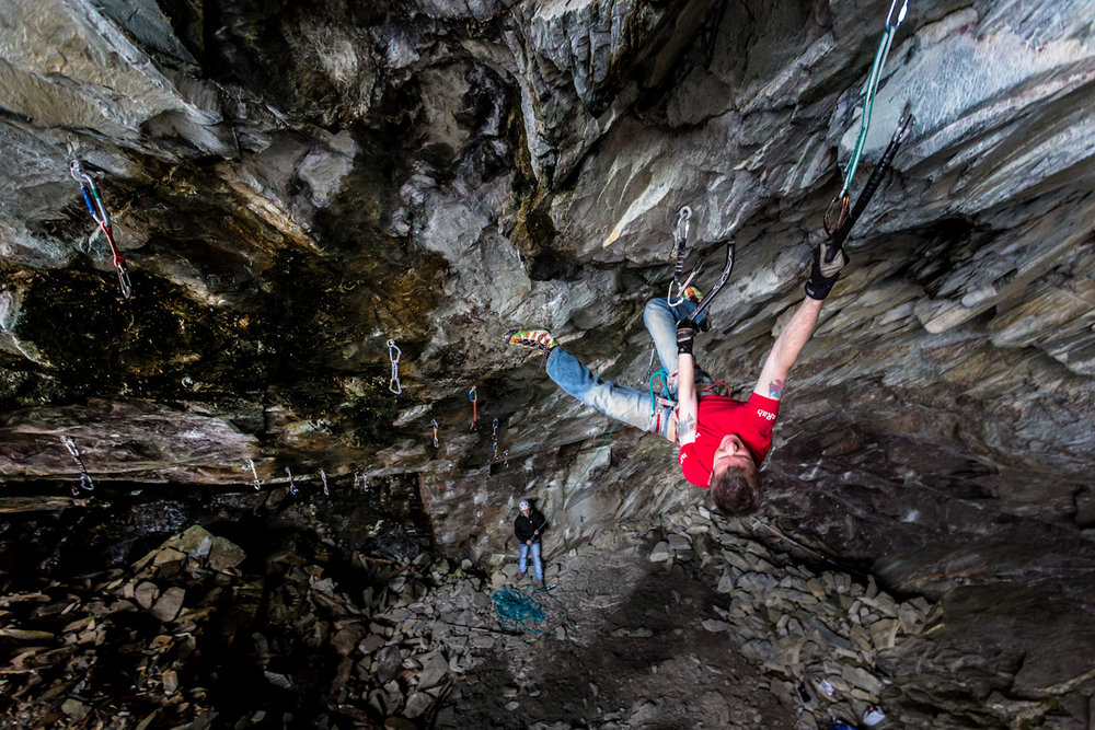 Kev Shields drytooling at Newtyle quarry, 258 kb