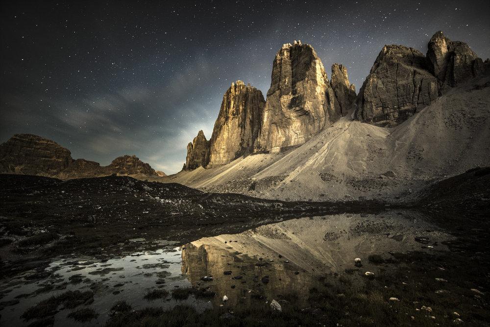 The Tre Cime di Lavaredo by night, 175 kb