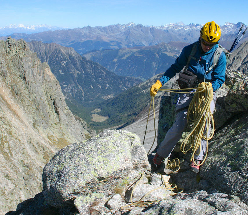 Getting ready to descend after the Traverse of the Ecandies. Photo Peter Riley., 215 kb