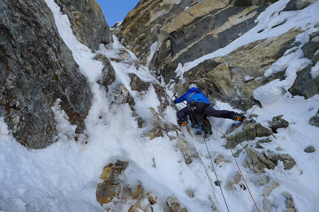 Paul Ramsden climbing on Kishtwar Kailash, 99 kb