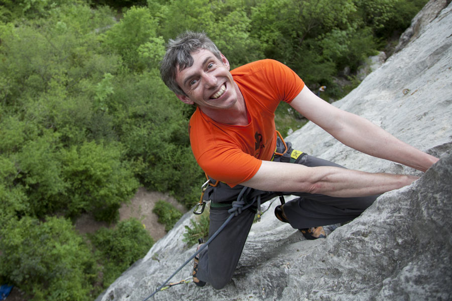 Alan James climbing at Aliiat in the Ariege, 120 kb