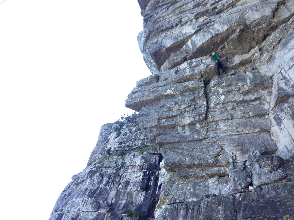 Alex soloing everyone�s projects again, on the Jeopardy wall up at Table Mountain, 110 kb