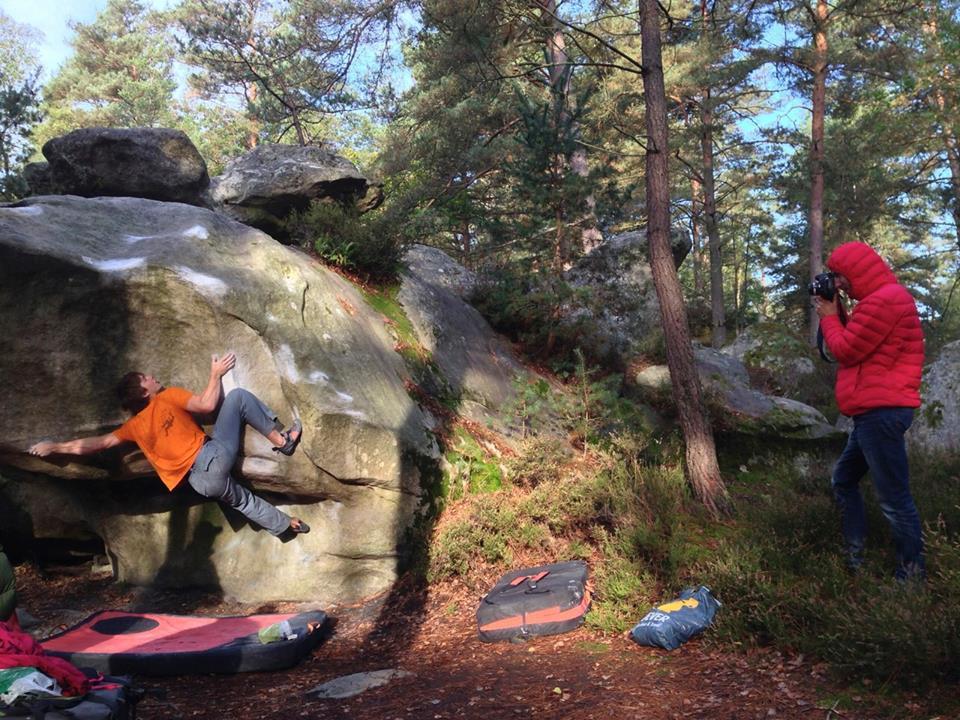 Jan Hojer on Le mandarin, ~8A, Fontainebleau, 152 kb