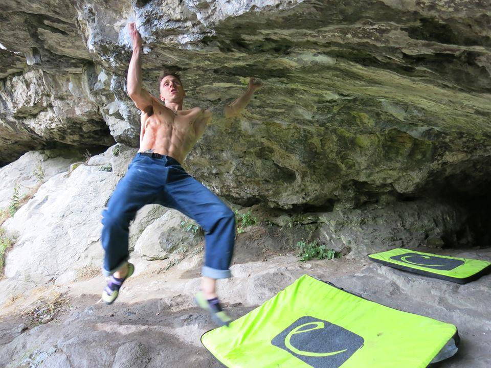 Chris Webb Parsons on Belly of the beast, ~8C, Keen Roof, Raven Tor, 127 kb