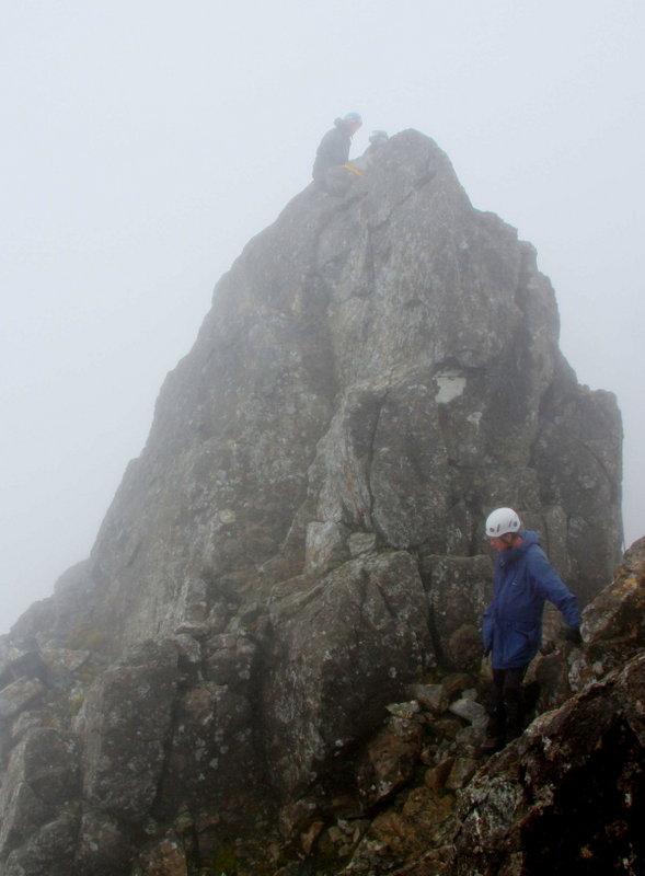 Alan Dawson and Leica1250 on Knight's Peak, 62 kb