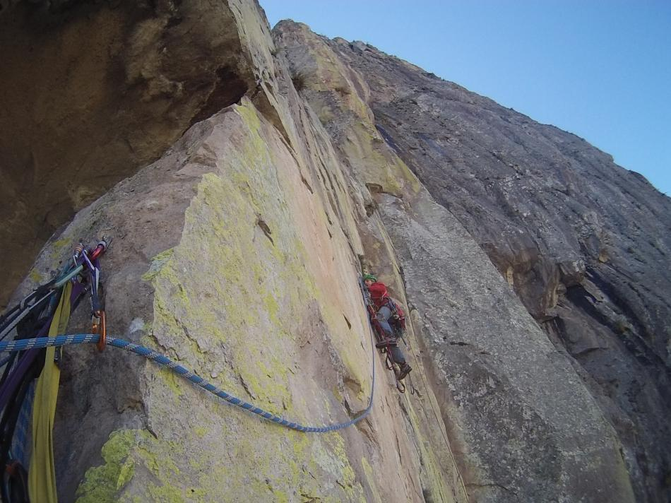 Cecilia leading high up on El Gigante, 106 kb