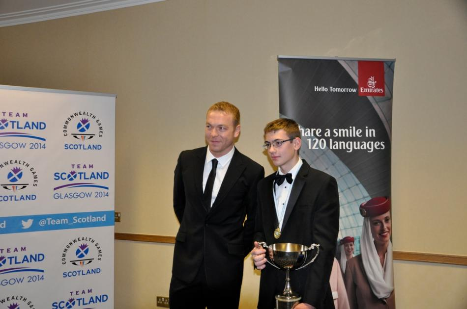 Sir Chris Hoy presenting William with the Miquel Trophy, 52 kb