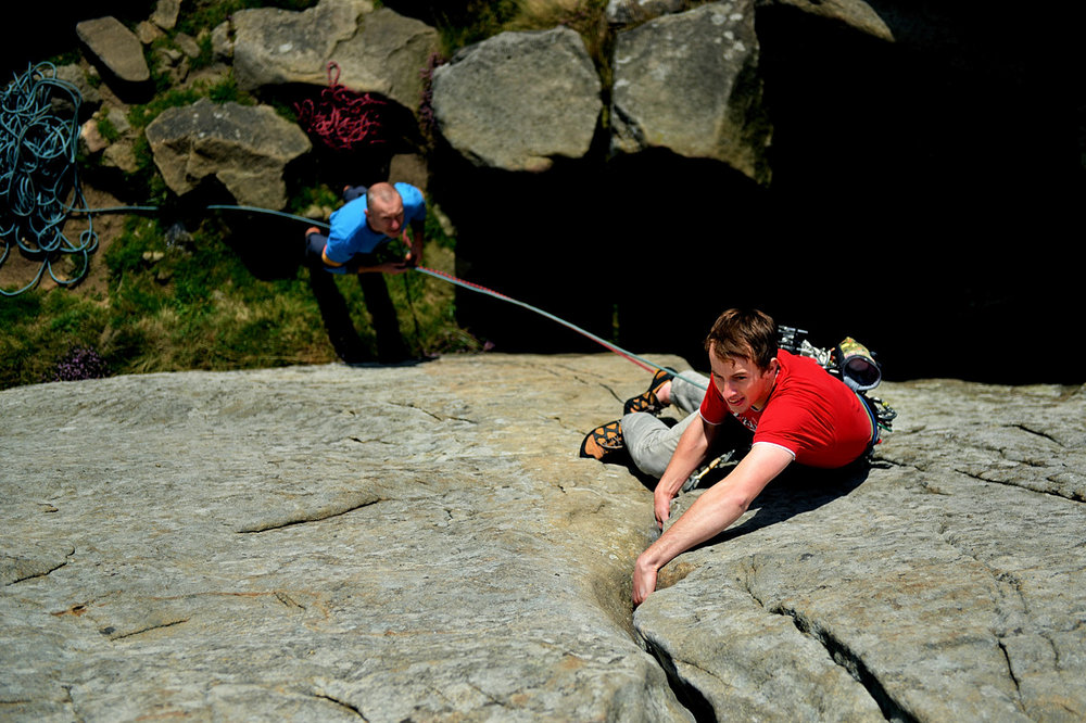 David Kirsfelds on the initial crack of Valkyrie at Froggatt, 194 kb