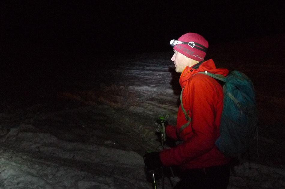 Jack Geldard night skiing with the Petzl Tikka RXP, 83 kb