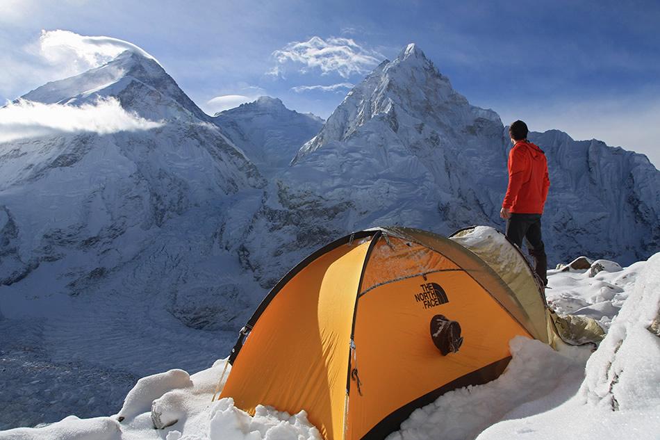 Jon Griffith Photography Website: Sunrise over Everest, Lhotse and Nuptse, 152 kb
