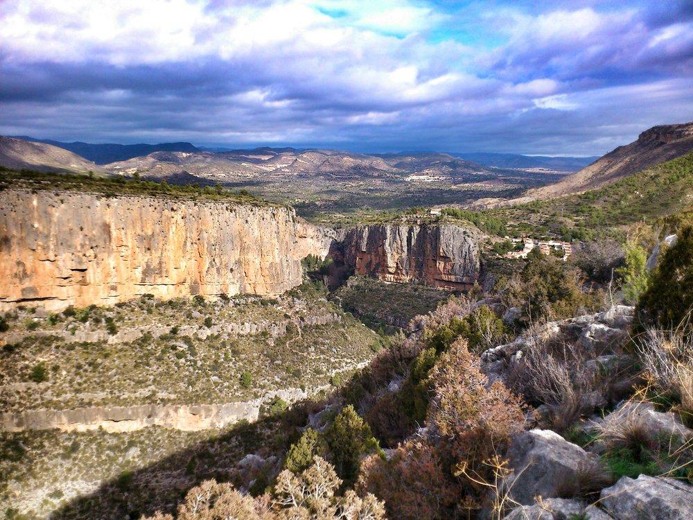 Chulilla, Refugio in the centre., 215 kb
