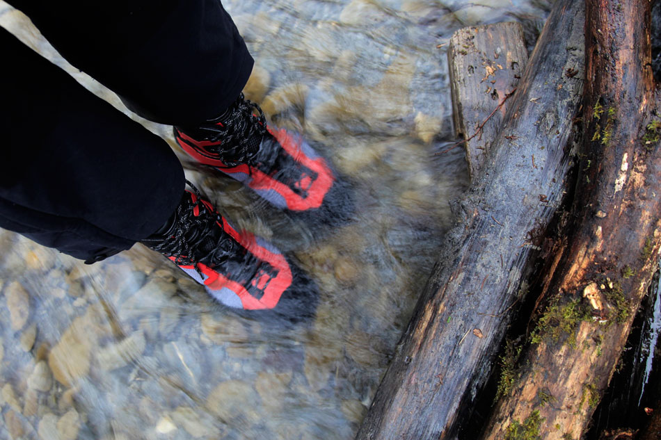 The Gore-Tex doing its thing in an ankle deep stream, 154 kb