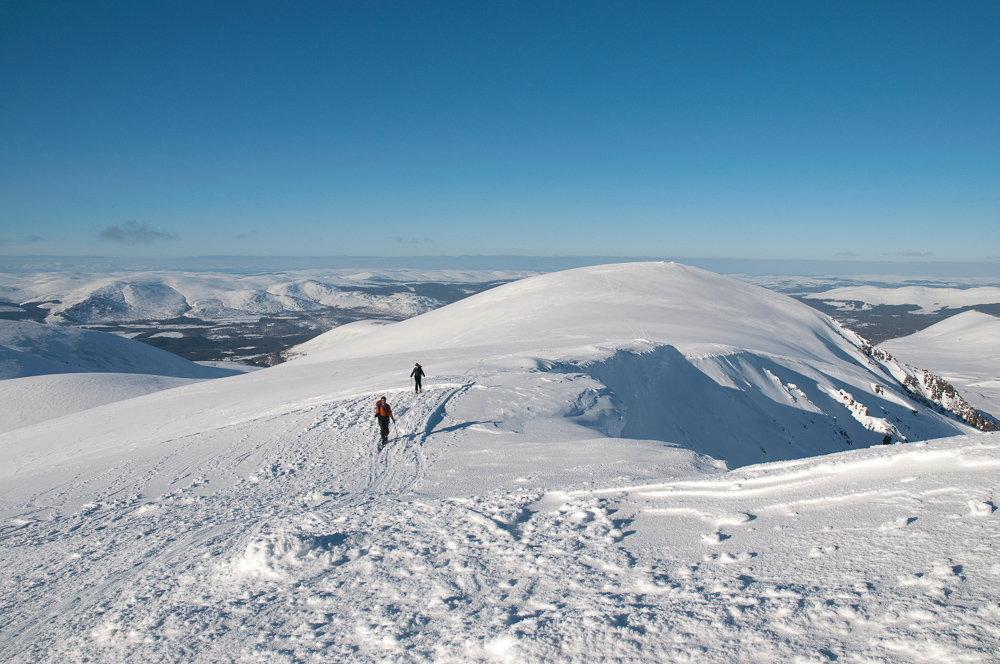 On the summit ridge of Sgor Gaoith, 143 kb