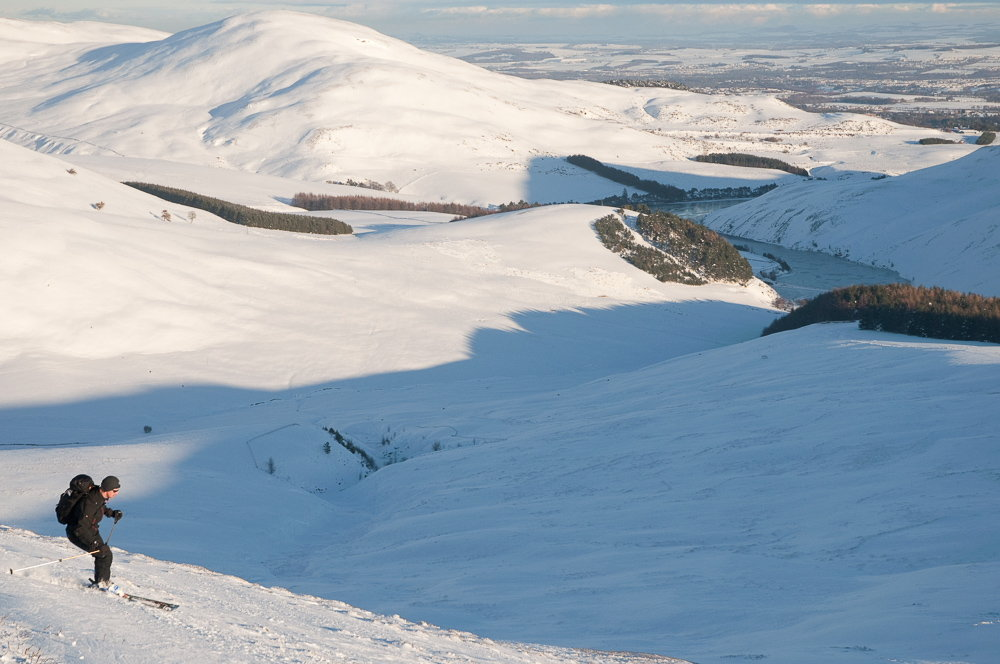 Ski touring on the Pentland Hills, near Edinburgh, 118 kb
