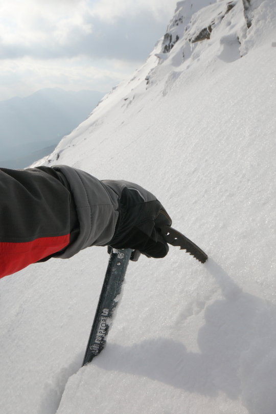 Lowe Alpine Raptor gloves ...and an axe with a spookily similar name, 66 kb