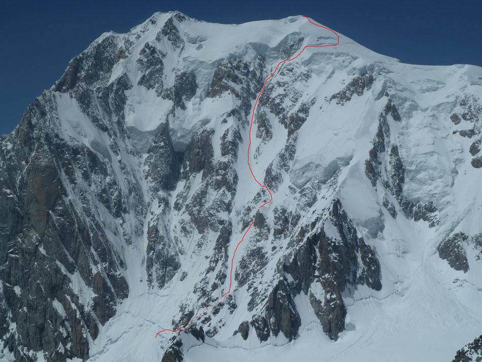 The Brenva Face and line of the Sentinelle Rouge Couloir, 175 kb
