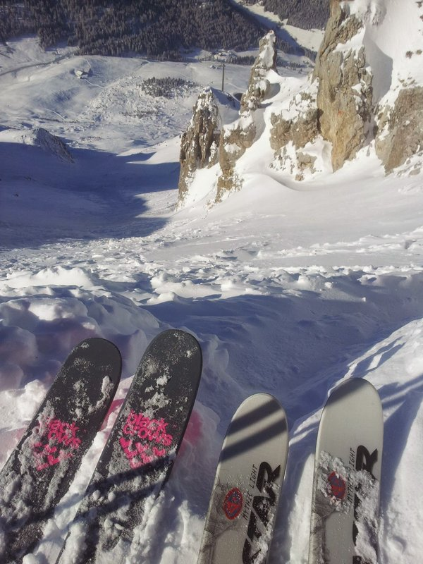 Two very different ski set ups, the heavier skis (left) were harder work on the up, but now it seems worth it!, 109 kb