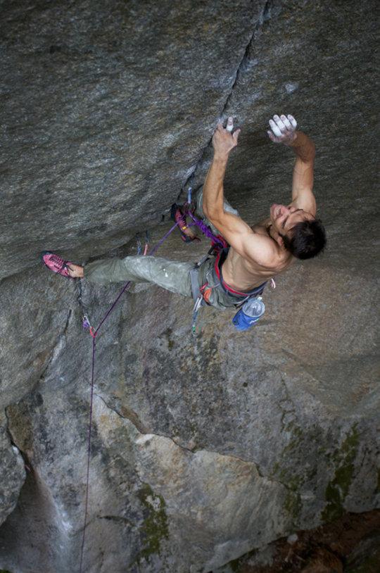 Tom Randall on The Cobra Crack, Squamish, 115 kb