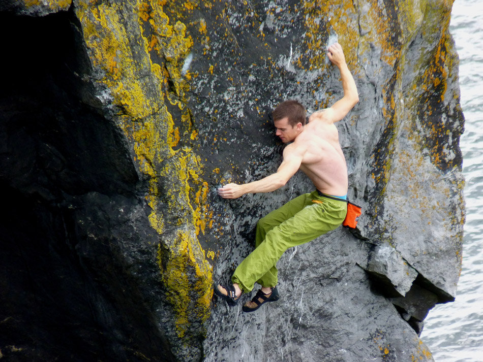 Colm Shannon on Anniversary, 7c+, The Burren, 239 kb