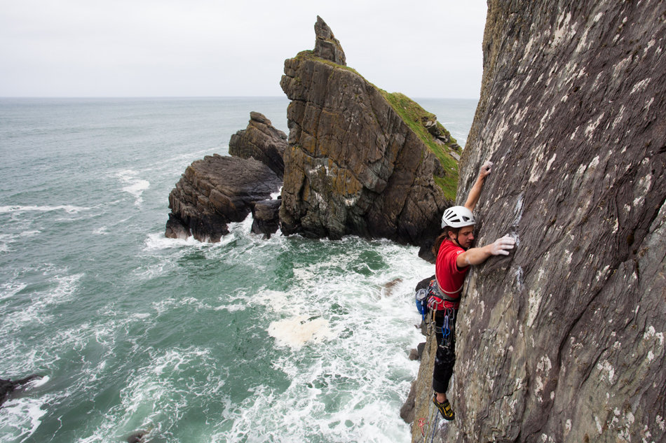 Kev Kilroy on Niall Grimes' Atlantic Ocean Wall, E4, 202 kb