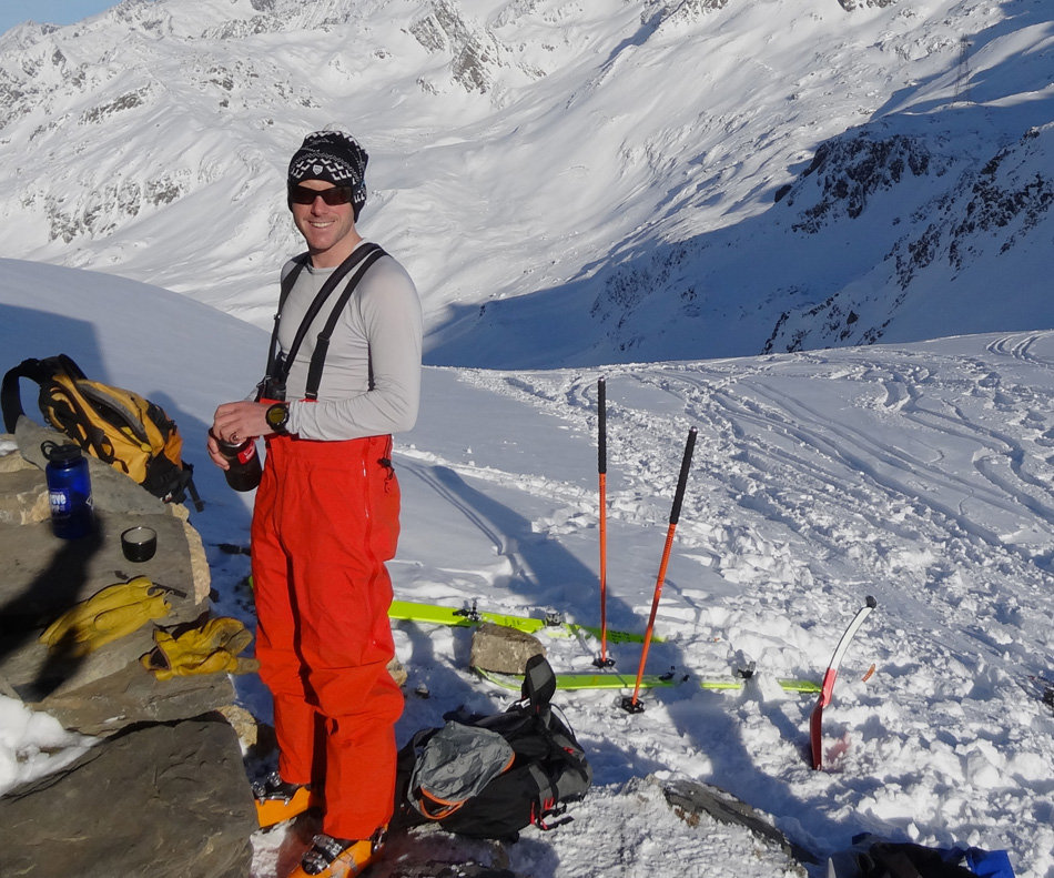 The Theta SV bib out of their comfort zone (good weather!) at the Col du Bonhomme, Les Contamines. Photo Phil Ebert., 225 kb