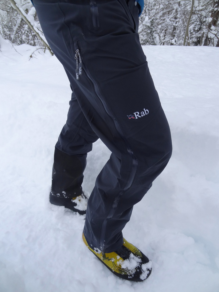Walking into Cogne wearing the Rab Stretch Neo's., 149 kb