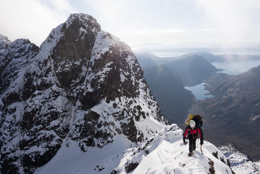 Climbing up to Sgurr a' Mhadaidh, 186 kb