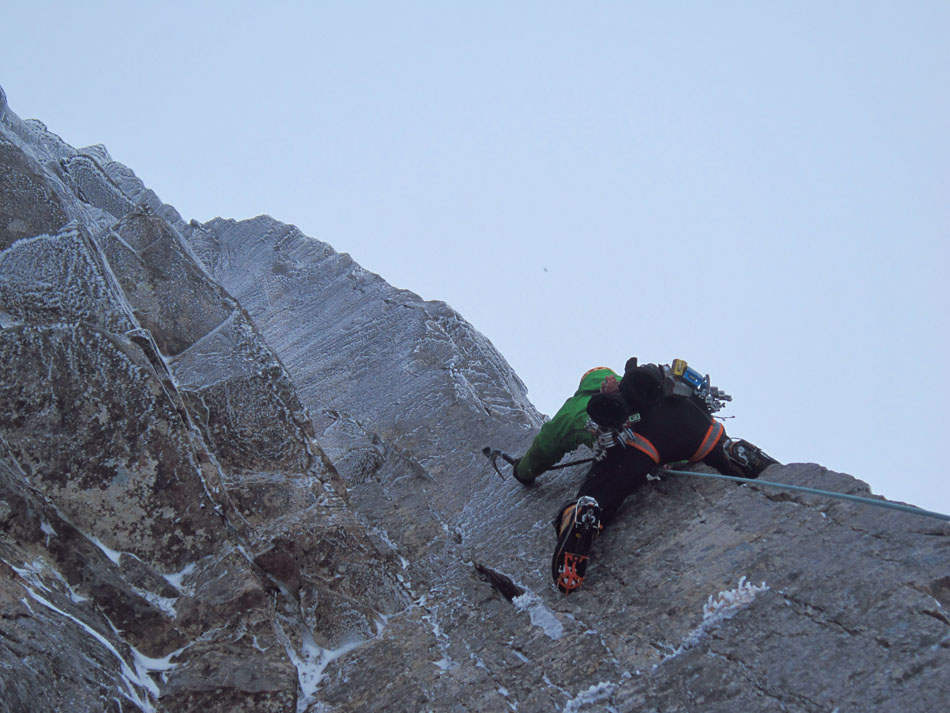 Murdoch on the difficult and sustained 2nd pitch of The Route of All Evil, IX,8, 143 kb