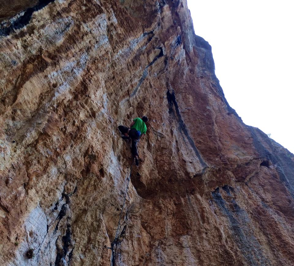 Ellis redpointing Trango, 8b, 161 kb