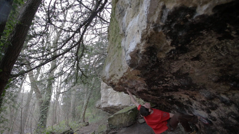 Eliot Stephens climbing Dark Art, 8A, Anston Stones, 145 kb