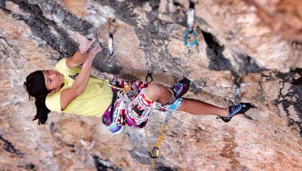 Ashima Shiraishi on Digital system, 8c, Santa Linya, 69 kb