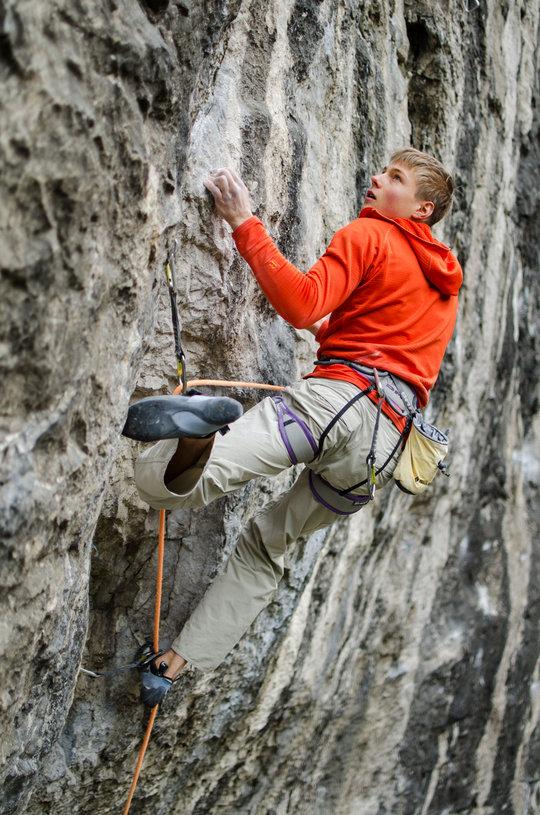 Alex Megos climbing Mecca 2nd go, Raven Tor, 169 kb