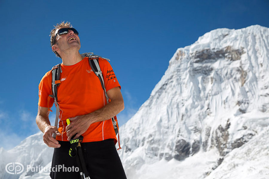 Ueli Steck in front of Annapurna, 93 kb