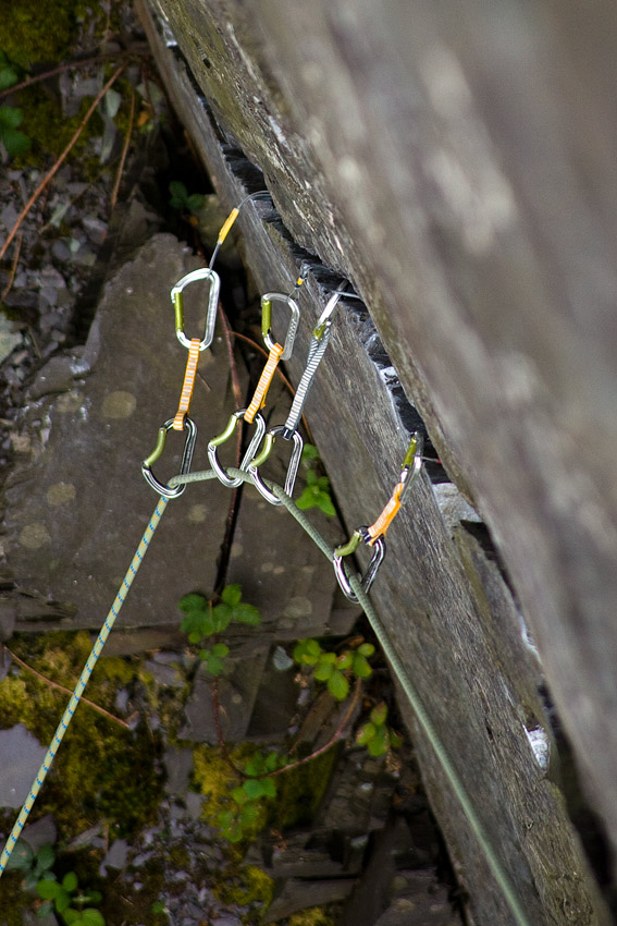 A well looked after rack doing the business on the E4 The Mau Mau, Llanberis Slate, 139 kb