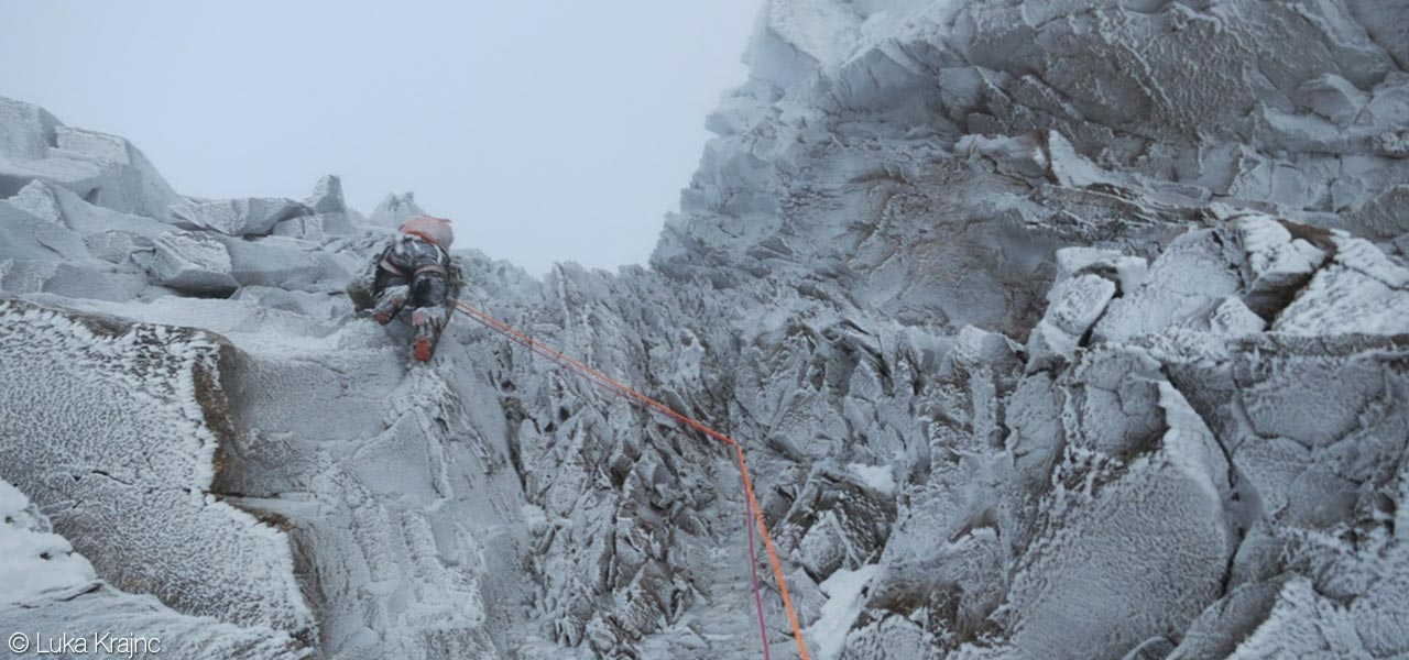 Luka Krajnc and Luka Lindic on Rolling Stones, Grandes Jorasses North Face, 126 kb