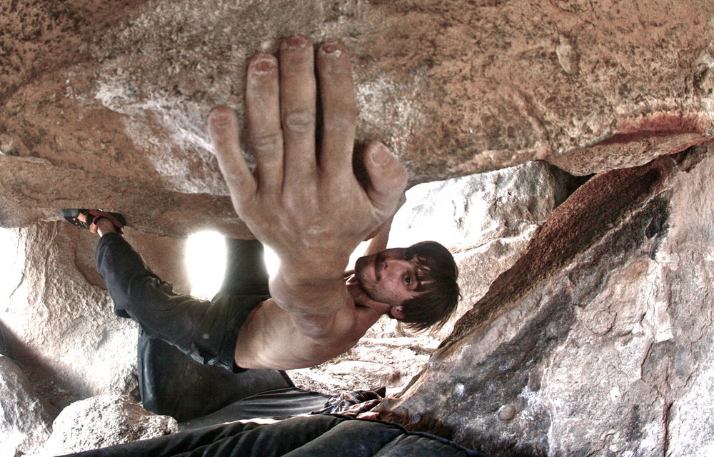 Pulling through the long moves on Supachupa, V11, 190 kb