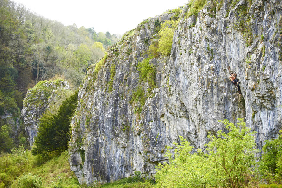 Tom Newberry making the 2nd ascent of Death Star, 8c, Cheddar Gorge, 212 kb