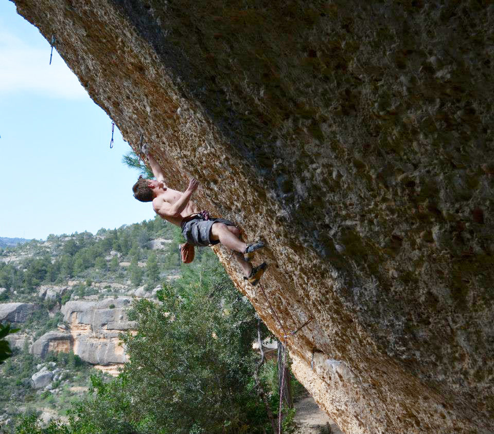 Pete Dawson on Flash Over, 8b+, Margalef, 212 kb