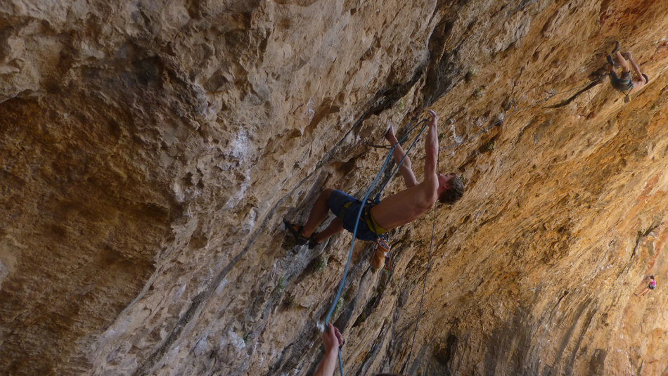 Luke Dawson on Devora Hombre, 7c+, Santa Linya, 181 kb