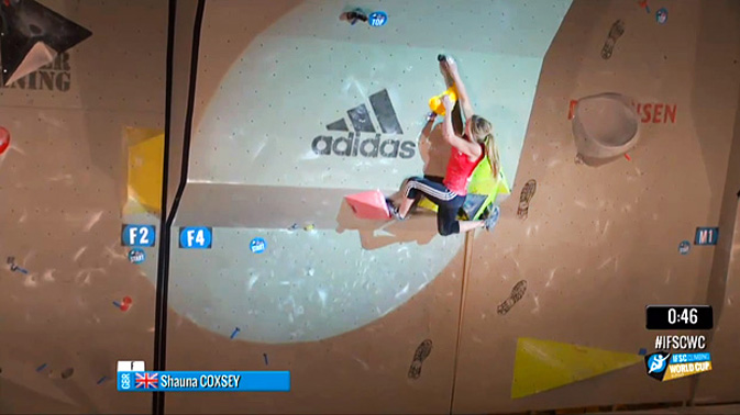Shauna Coxsey about to make the final move to finish problem 4 and win a gold medal, 84 kb