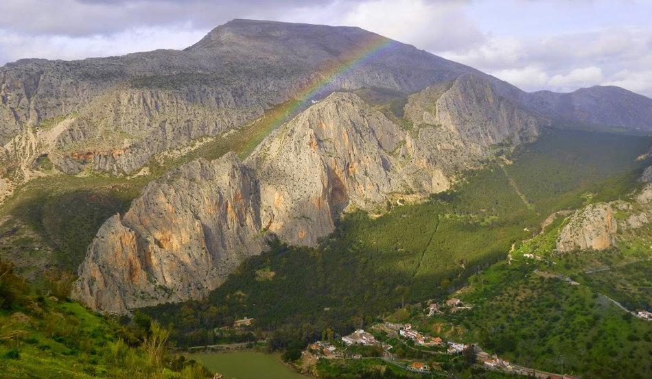 Frontales, El Chorro framed by a rainbow, 154 kb