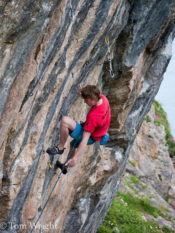 Ellis climbing A Fisherman's Tale, 8b, Anstey's Cove, 153 kb