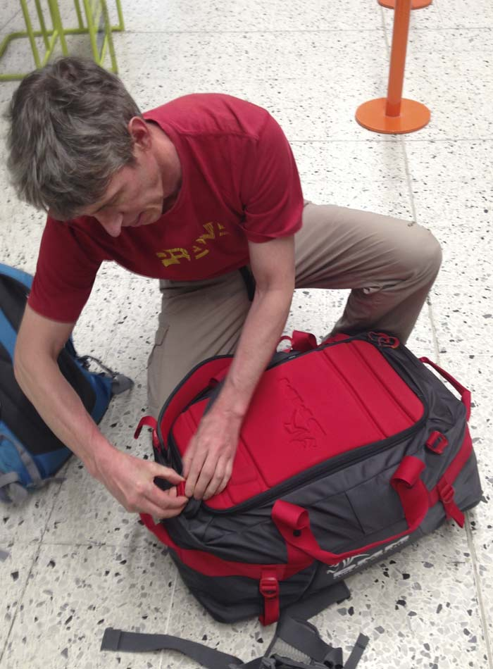 DMM Void Duffle - Straps removed for hold baggage, 79 kb