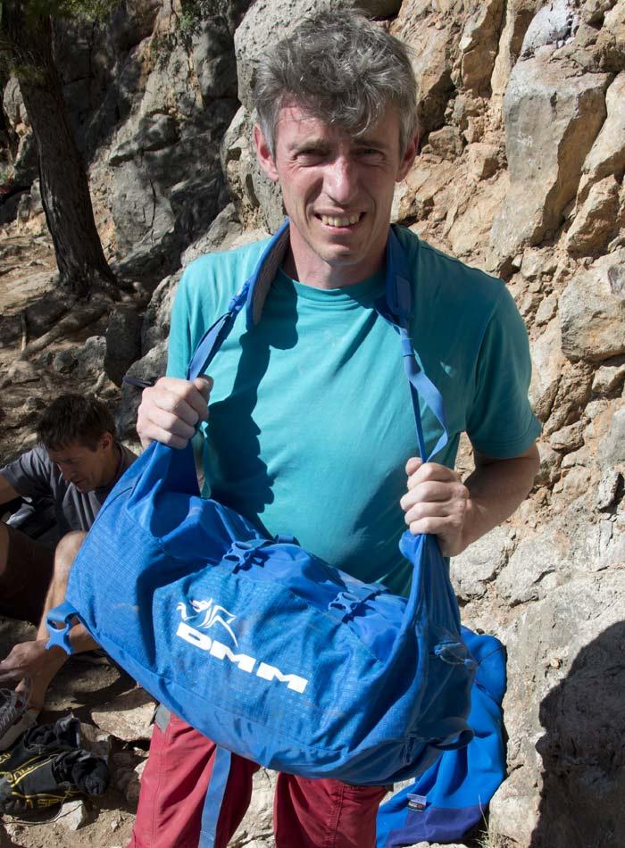DMM Classic Rope Bag - Shoulder carrying method, 120 kb