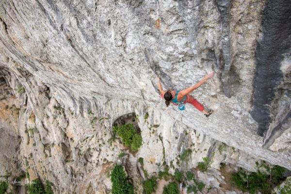 Nina Caprz on Helix, 8c+, Pic St-Loup, 100 kb