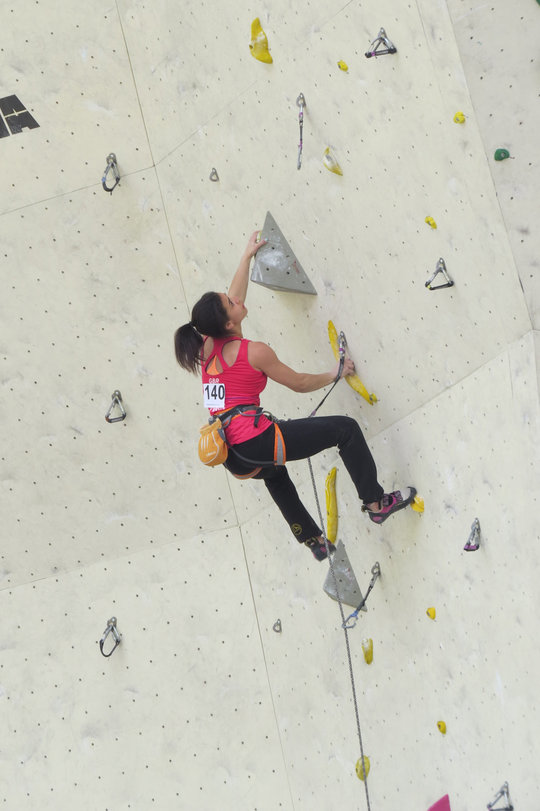 Molly climbing to first place during the Imst Eurpoean Youth Cup, 2014, 77 kb